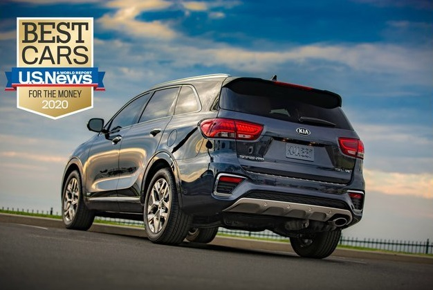 "Kia triunfa como la marca con más premios ""Best Car for the Money"" 2020 de U.S. News & World Report - Article cover image."